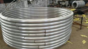 在工业生产中,被广泛应用的半圆管
